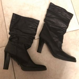 Leather slouchy boots!